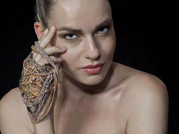 Profesjonalny makijaż – sprawdź, jakim sposobem go zrobić